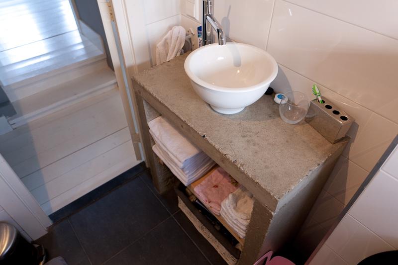 Ons werk van der linden timmerwerk - Gezellige badkamer ...